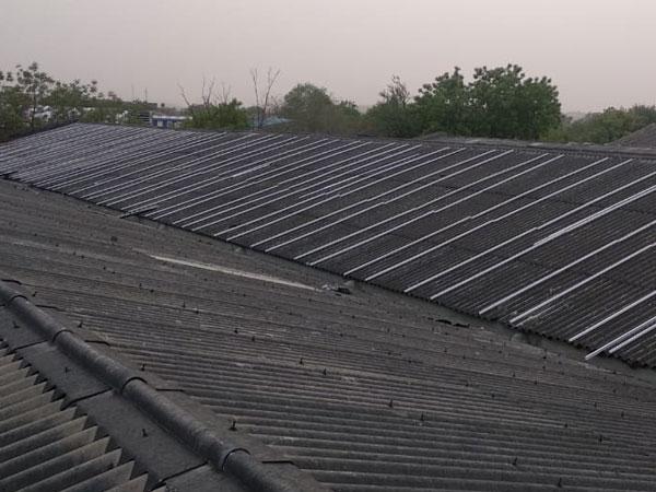 Solar panel mounting fasteners